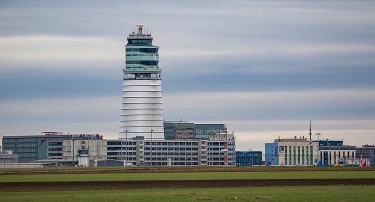aerodrom-u-becu-putovanje-avionom