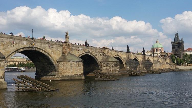 karlov-most-u-pragu-slike