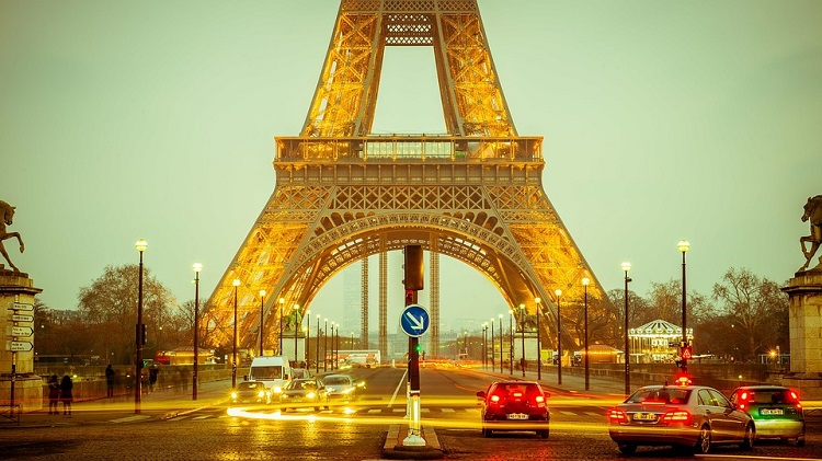 putovanje-u-pariz-avionom-i-autobusom