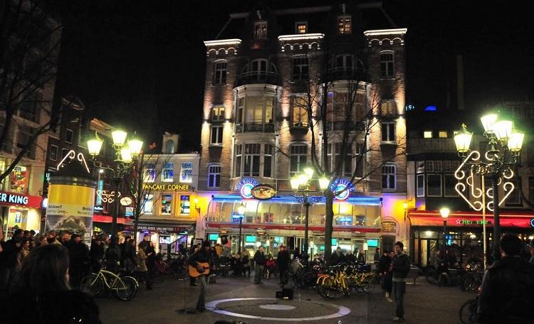 ledseplein-trg-u-amsterdamu-nocni-zivot-i-provod