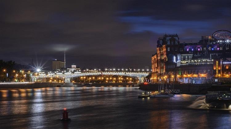 moskva-nocu-slike
