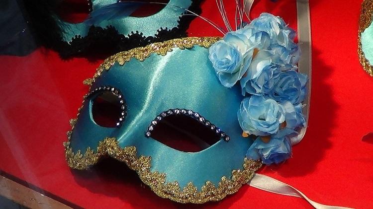 sta-kupiti-u-veneciji-maske-shopping